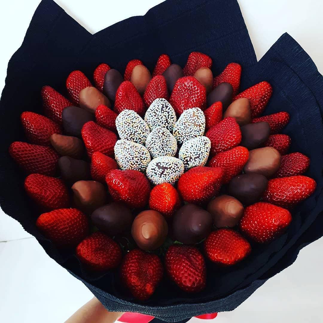 букеты ягоды в шоколаде юнкерском языке