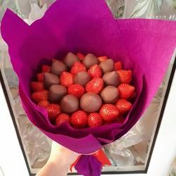 Букет из клубники в шоколаде